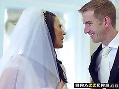 Озабоченная невеста трахнулась с другом мужа на свадьбе