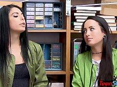 Две молоденькие брюнетки трахается с охранником в подсобке магазина