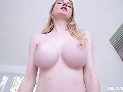 Блондинка с волосатой щелью и большой грудью долбится с другом