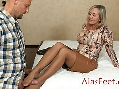 Mature blonde woman in a short skirt invited a horny guy to ...