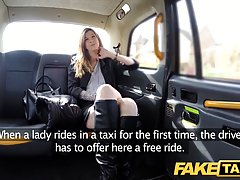 Девушка расплатилась с таксистом анальным сексом у него в машине