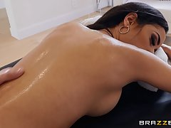 Dark haired bitch, Tia Cyrus likes to suck her partner's mas...