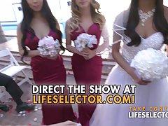 Невеста с подругами трахается с сексуальным мужиком в номере...