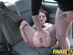 Taxi driver is fucking a hot brunette in the back of his car...