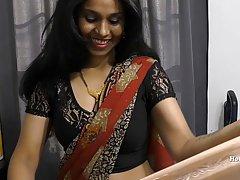 Зрелая мамочка индианка на веб камеру устроили стриптиз шоу