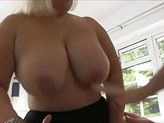 Mature blonde woman is often giving free sex classes to youn...
