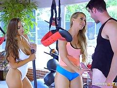 Николь Энистон и Абигейл Mac делают хардкорные тренировки с ...