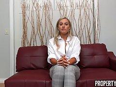 Блондинка заслужила на собеседовании хардкорный секс от перв...