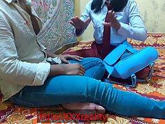 индийская парочка решила снять домашнее порно на веб камеру