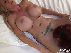 Two amazing matures with big boobs went to a hotel room to m...
