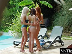 Adorable girls decided to have a casual, lesbian threesome a...