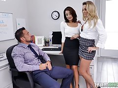 Jada Kai and a new co- worker are about to have a ffm threes...