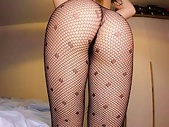 Horny college girl is alone at home and in the mood to mastu...