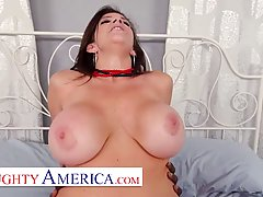 American woman with big boobs, Sara Jay is having casual sex...