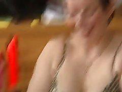 Зрелая женщина и ее любовник решили снять ретро порно с разн...