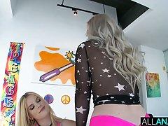 Блондинка после анилингуса испытала удовольствие от анального секса втроем