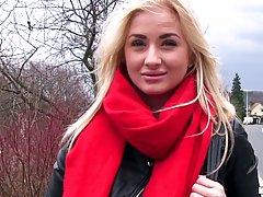 Невероятная сука с красным шарфом Кейла Лайонс высосала маси...