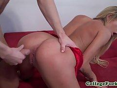Весёлая вечеринка закончилась страстным сексом для блондинки