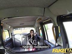 Милая девушка изменила мужу с таксистом в анал